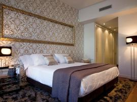 LUXURY IN PASEO DE GRACIA, hotel with jacuzzis in Barcelona