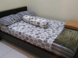 OYO 90170 Griya Palem, hotel near Arthayasa Stables, Tangerang