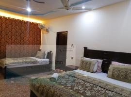 New Grace Inn Clifton, hotel in Karachi