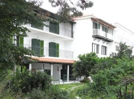 Villa Yiannis (Adult Friendly), hotel in Megali Ammos