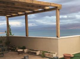 Panoramic Dead Sea View, apartment in Ovnat