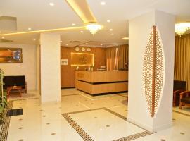 MH HOTEL, hotel in Oran