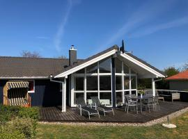 Strandhus - Haus 37, holiday home in Grömitz