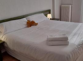 Hotel del Trueno, hotel near San Millán de Suso and San Millán de Yuso Monasteries, Ezcaray