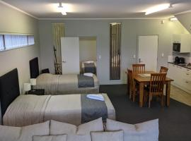 Cozy one bedroom apartment near Auckland Airport, family hotel in Auckland