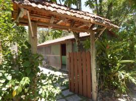 Residencial Brisa da Ilha do Mel, hotel in Ilha do Mel