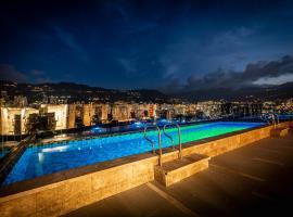 York Luxury Suites Medellin, hotel cerca de Teatro Metropolitano de Medellin, Medellín