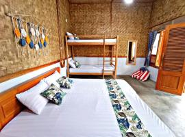 Paddies Homestay (Full Room), hotel with parking in Cianjur
