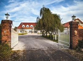 Wierzbowe Ranczo, farm stay in Budy Michałowskie
