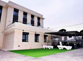 6 Bis HOTEL, hotel in Castelldefels