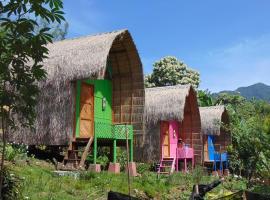 Sten Lodge eco Homestay and restaurant, pet-friendly hotel in Labuan Bajo
