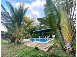 Room in Spacious Nature Cottage, hotel with pools in Puerto Maldonado