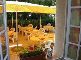 Hotel Restaurant Les Esparrus, hotel in Villecroze