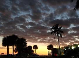 Carousel Beach Inn, Hotel in Fort Myers Beach