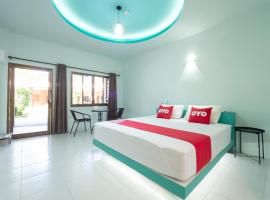 OYO 940 Phirm Resort, hotel in Sattahip