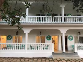 BaywoodGoa, hotel in Morjim