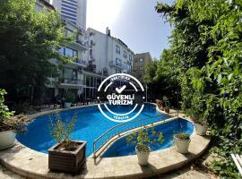 Villa Blanche Hotel & Garden Pool and Spa, hotel near Istanbul Sapphire, Istanbul