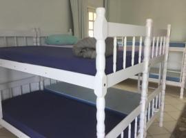 Ydra Hostel, homestay in Itapema
