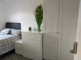 2 bedroom apartment, hotel in Cardiff
