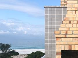 Cobertura Le Bon Vivant Praia Grande / Arraial do Cabo, hotel with jacuzzis in Arraial do Cabo