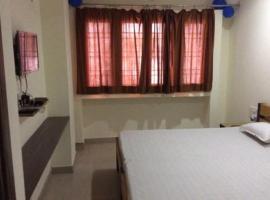 NEW MAHARAJA HOTEL, hotel in Morādābād