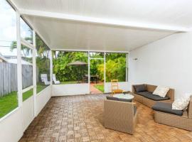 Enormous Modern Home In Miami Beach, villa in Miami Beach