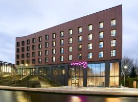 Moxy Chester, hotel near Holt Castle, Chester