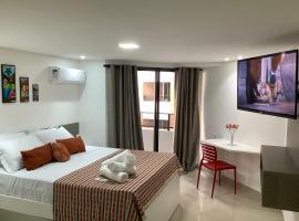 GoldFlat Beira Mar Cabo Branco Férias para Família, hotel with pools in João Pessoa