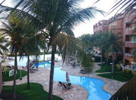 Condomínio Oceanside acesso privativo a praia, hotel with pools in Niterói