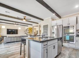 Luxe Private Getaway in the Heart of Phoenix!, villa in Phoenix