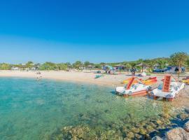 Glamping tents Mediteran kamp Navis, luxury tent in Novalja