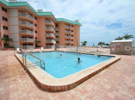 Beach Cottages by Florida Lifestyle Vacation Rentals, villa in Clearwater Beach