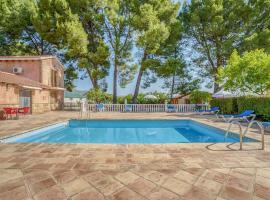 Secluded Holiday Home in Murcia with Swimming Pool, hotel en Moratalla