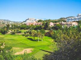 Casa para 10 personas en campo de golf Añoreta, villa in Torre de Benagalbón