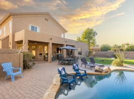 Desert Paradise - Private Heated Pool & Hot Tub home, vacation rental in Phoenix