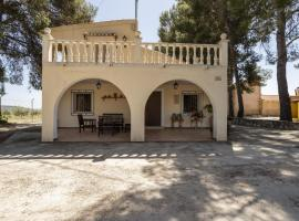Spacious Cottage in Moratalla with Swimming Pool, hotel en Moratalla