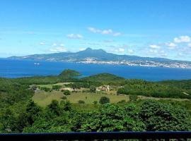 Bleu topaze - vue imprenable - Les Anses d'Arlet, Ferienwohnung in Les Anses-d'Arlets