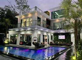 Premium Pool Villa Pattaya ค็อทเทจในหาดจอมเทียน