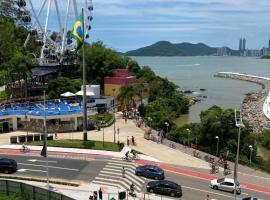 """""""Conforto e Bem Estar"""" Próximo da praia, hotel near Buraco Beach, Balneário Camboriú"""