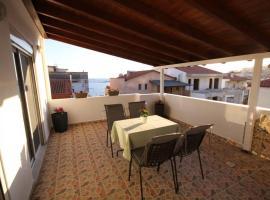 The Sunset Balcony, διαμέρισμα στον Νέο Μαρμαρά
