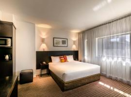 Causeway 353 Hotel, hotel near National Gallery of Victoria, Melbourne