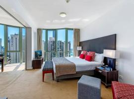Legends Hotel Penthouse Lvl Spa Suite in Surfers Paradise, hotel in Surfers' Paradise, Gold Coast
