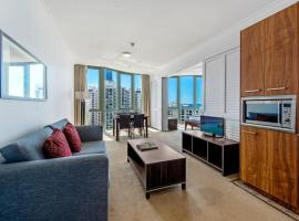 Legends Hotel Penthouse Lvl Spa Suite in Surfers Paradise, hotel in Gold Coast