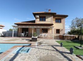Chalet CASA JARDIN, cabin in Seseña