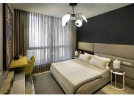 Couple Friendly Guest Inn, hotel near Netaji Subhash Chandra Bose International Airport - CCU,