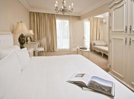 Hotel Sainte Jeanne, hotel cerca de Shopping Paseo Aldrey, Mar del Plata