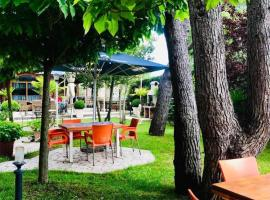 Hotel Restaurant Baca, hotel in Golem