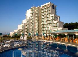 Hotel Boryana, отель в Албене