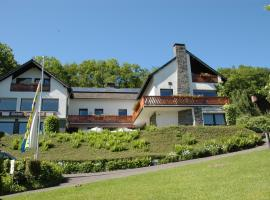 Pension Haus Diefenbach, guest house in Heimbach