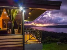 Retiro del Lago Arenal Lodge, hotel cerca de Reserva Bosque Nuboso Santa Elena, El Castillo de la Fortuna